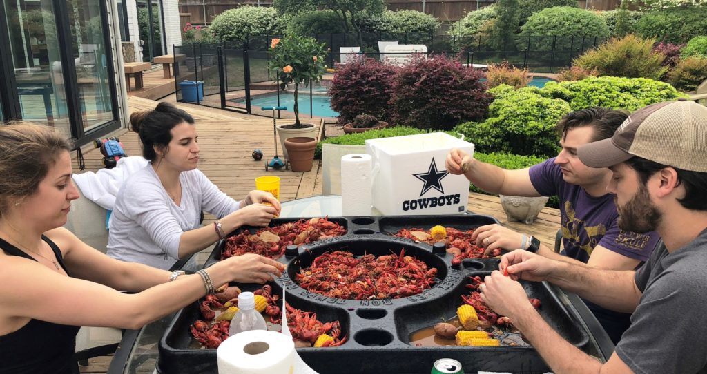 crawfish20eating203.jpg
